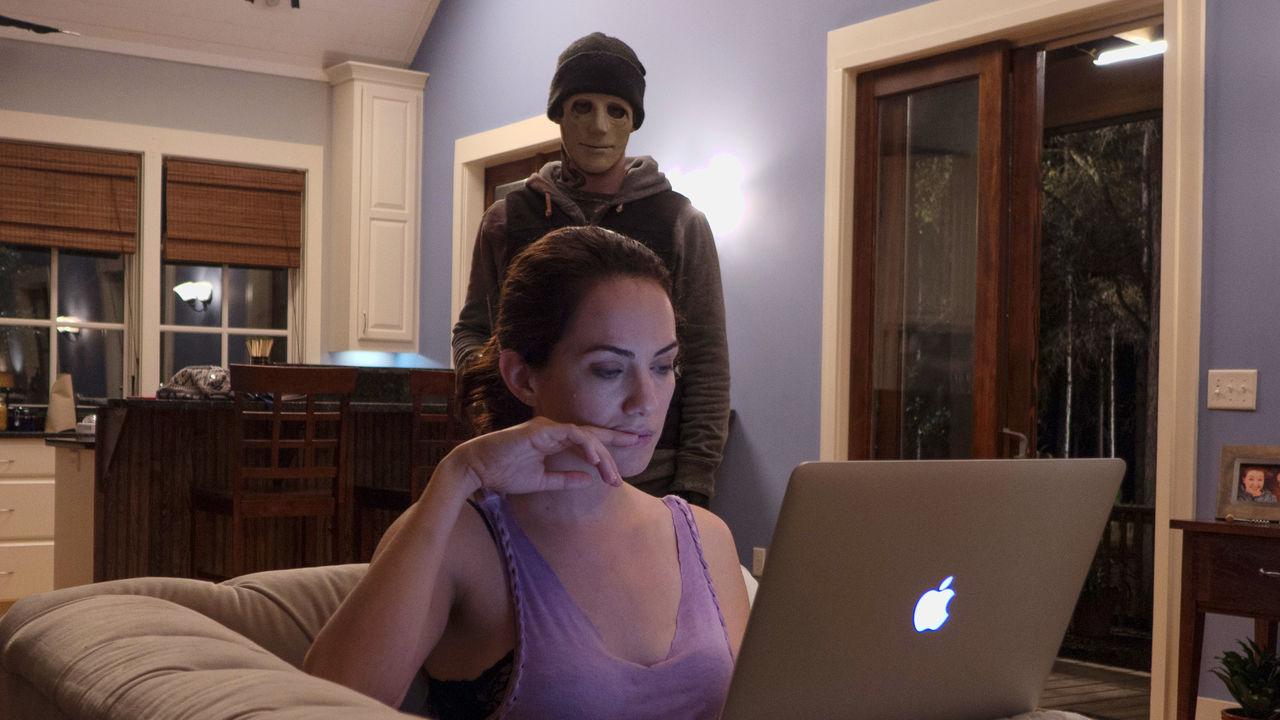 HUSH MOVIE thriller REVIEW