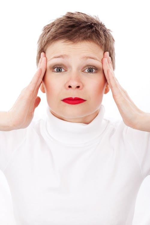 headache migraine women